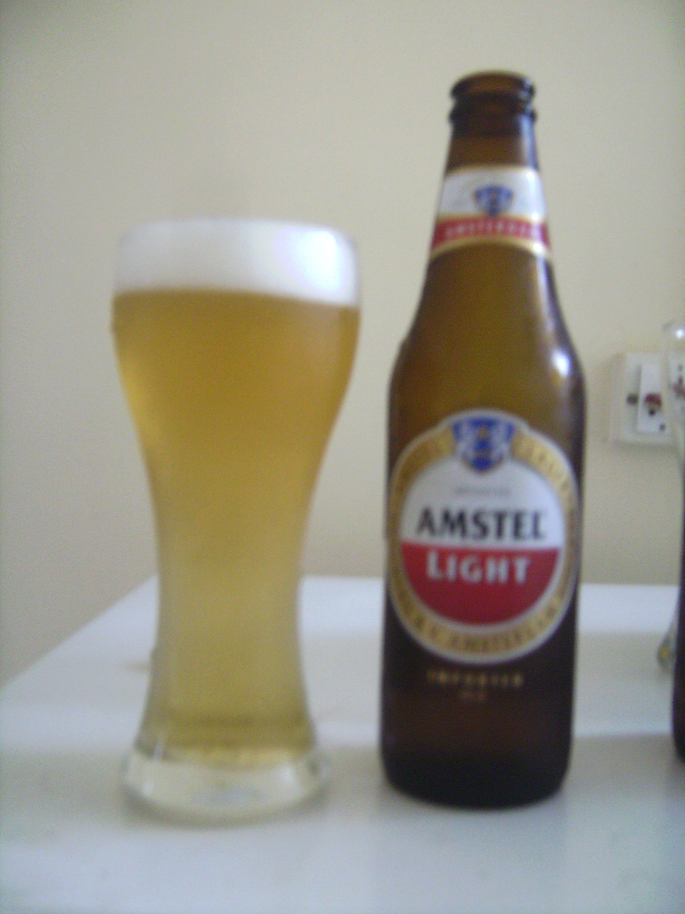 With An Alcohol Volume Of 3.5% And Not Much Else Going For It, Amstel Light  Barely Has Any Smell Or Taste. Itu0027s Not Bad But Why Would Anyone Want To  Drink A ...