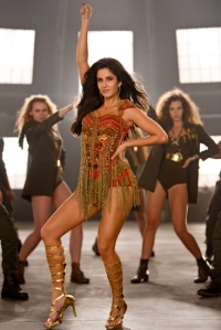 katrina-kaif-still-from-machale-song-of-dhoom-3