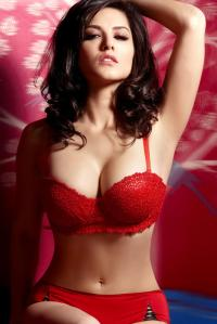 Sunny-Leone-Hot-Sexy-Unseen-Pics-collection
